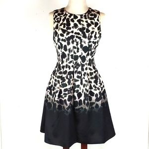 Vince Camuto NWOT animal print pleated dress, sz 4